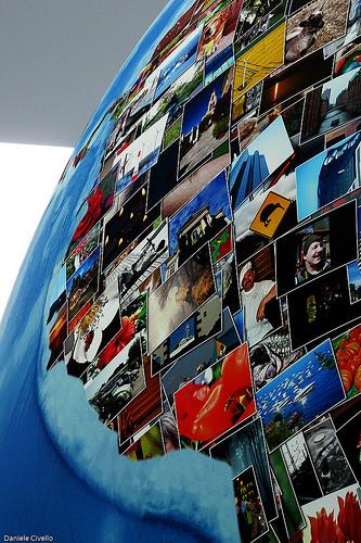 Weltkugel aus bunten Bildern.