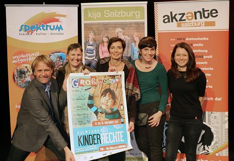 v. li.: Thomas Schuster, Marietta Oberrauch, Andrea Holz-Dahrenstaedt, Veronika Weis, Antonia Feichtenschlager