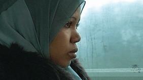 """Nura, eine der ProtagonistInnen in """"Little Alien""""."""