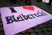 "Transparent mit der Aufschrift ""I love Bleiberecht""."