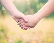 Foto von zwei Händen