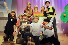 v. li.: Greta, Sophia, Isabella, Livia, Valerie, Leopold, Leo, Lukas, Xandi & Lotta (nicht im Bild)