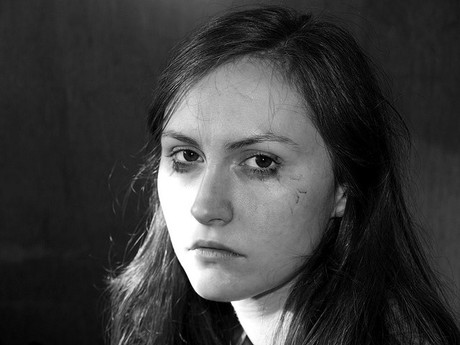 Portrait eines traurigen Mädchens.