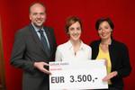 Bild (Berger): Friedrich Führer (Landesdirektor der Bank Austria Salzburg), Isabella Klausegger und Andrea Holz-Dahrenstaedt (Salzburger Kinder- und Jugendanwältin).