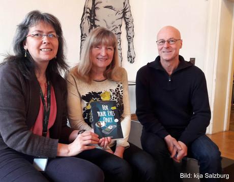 Cornelia Grünwald (kija Salzburg), Jugendbuchautorin Carolin Philipps und Peter Fuschelberger (Literaturhaus Salzburg)