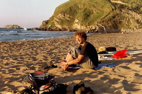 Jugendlicher am Strand