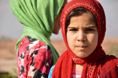 Porträt eines jungen afghanischen Mädchens