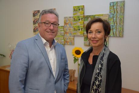Landeshauptmann-Stelvertreter Heinrich Schellhorn gratuliert Kinder- und Jugendanwältin Andrea Holz-Dahrenstaedt