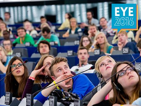 Jugendliche im EU-Parlament